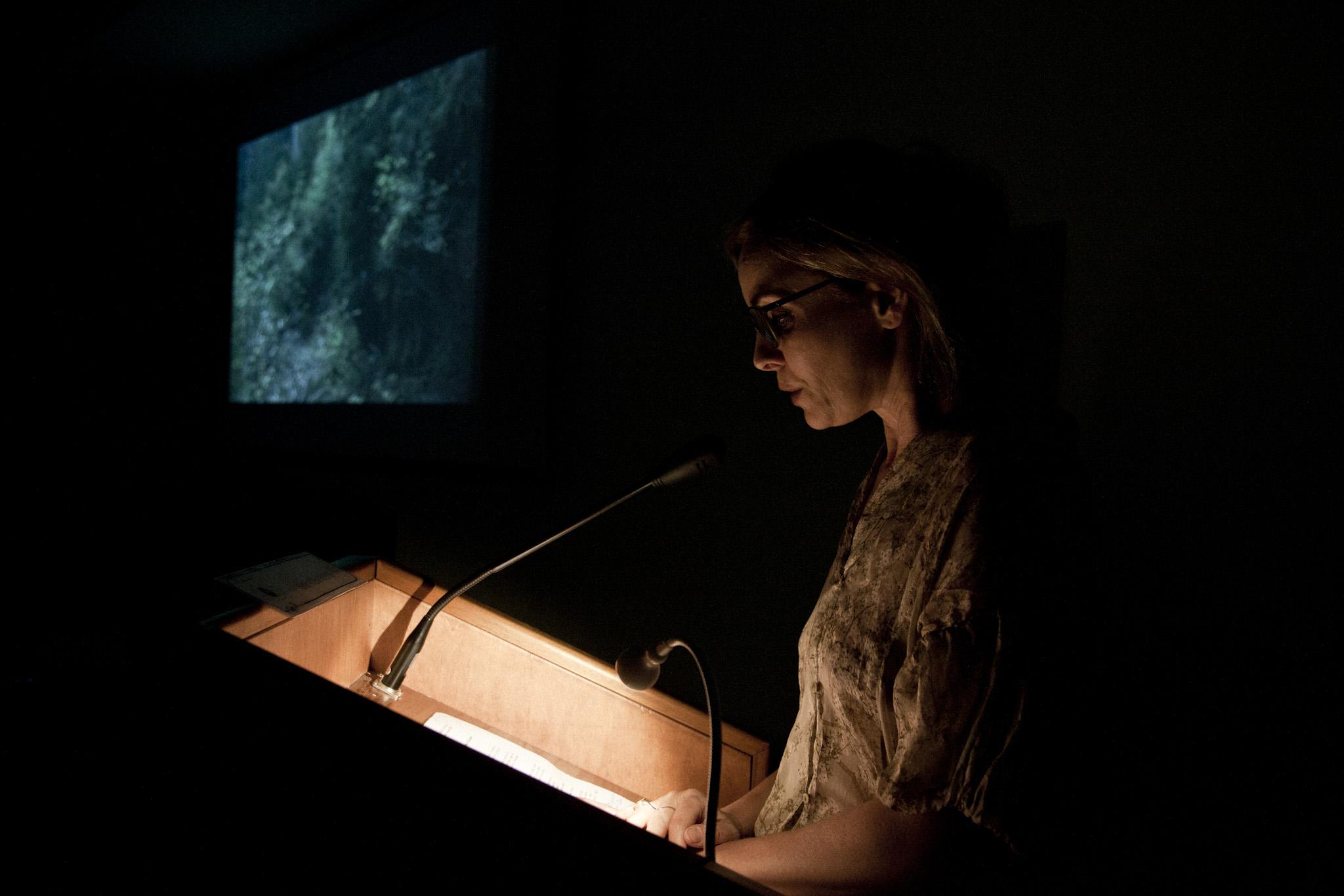 Galatea Ranzi alla presentazione del libro L'Urlo Indifferente