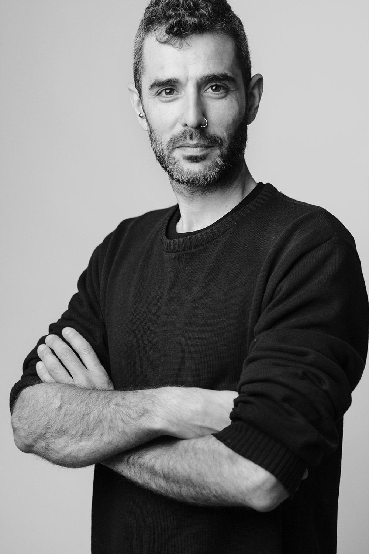 ritratto in bianco e nero di Pietro Vertamy docente dei corsi di fotografia base a Roma e Milano