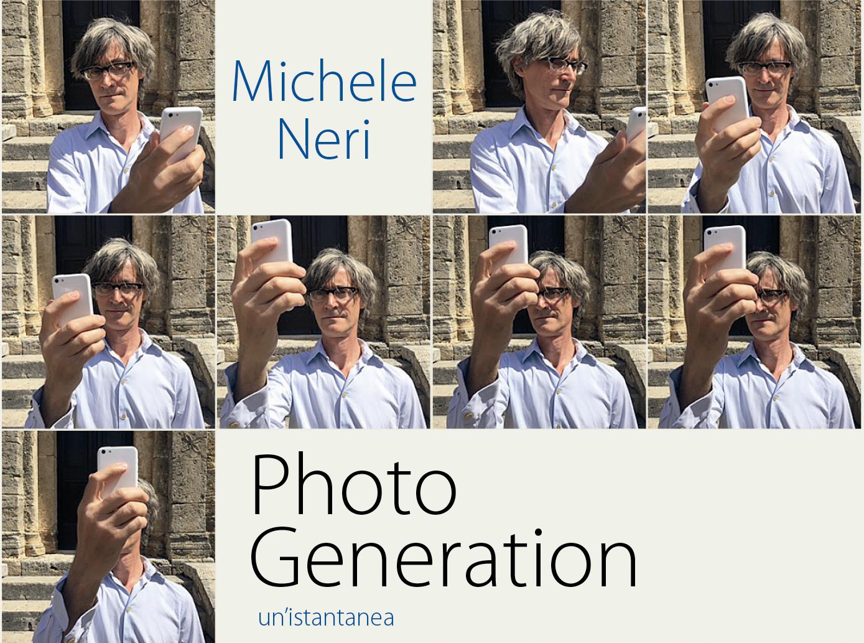 Uomo con cellulare in mano corso photo generation