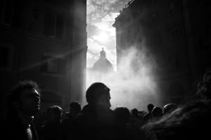 Roma, novembre 2008. Studenti universitari in protesta davanti a Montecitorio contro la riforma Gelmini