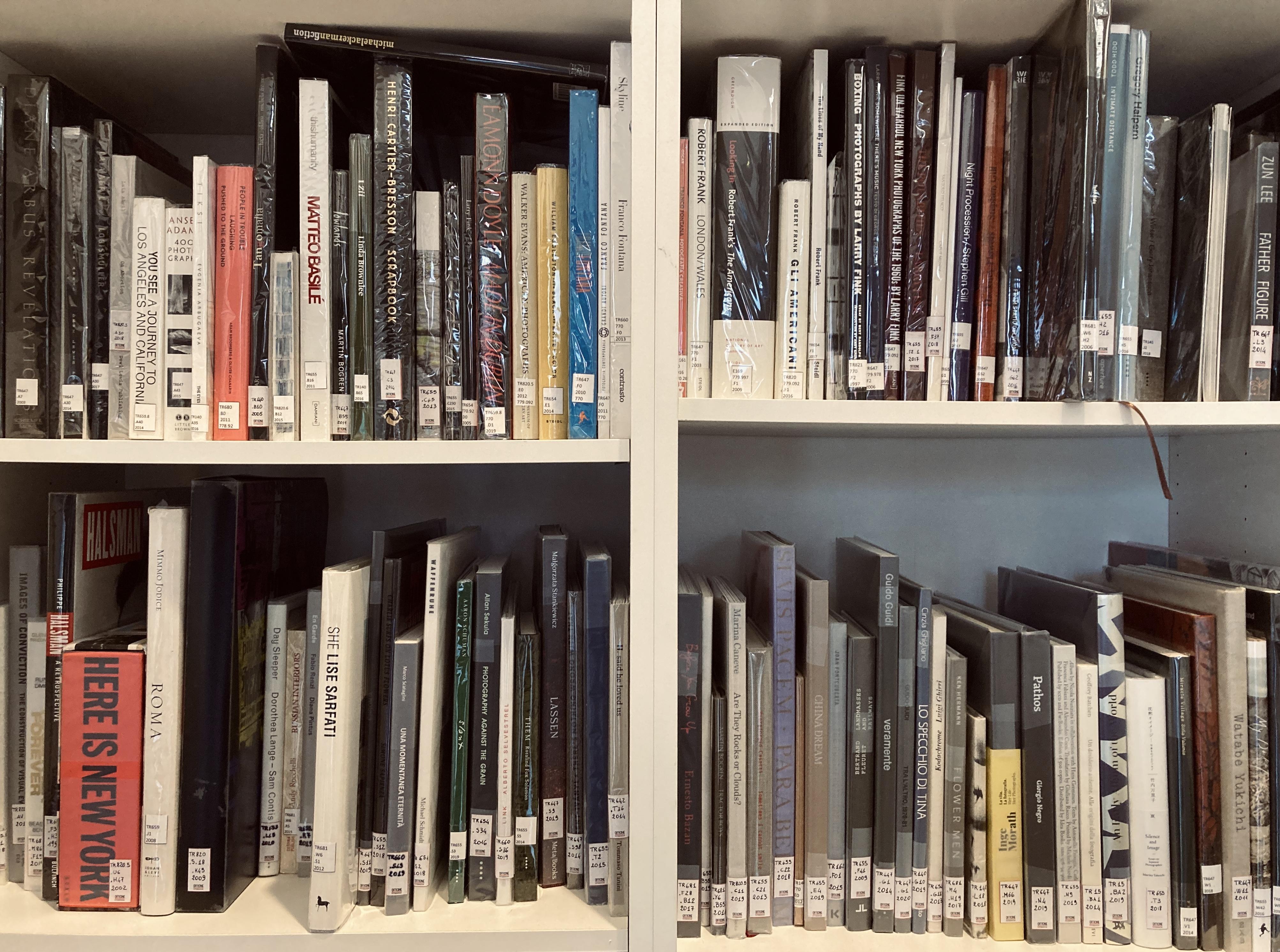 Libreria di Officine Fotografiche
